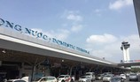 Tấn công nhân viên hàng không, một hành khách bị khống chế