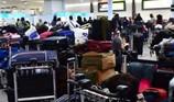 Máy bay không người lái gây náo loạn sân bay Anh