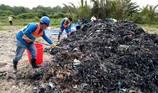 Công an vào cuộc vụ chôn rác thải ở Bình Chánh