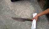 Dạy bảo con riêng của vợ bằng dao, bị đánh tử vong