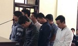 Nổi hứng 'đỏ đen' giữa trưa, 7 thanh niên hầu tòa