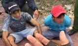 Hai thanh niên đi mua ma túy về chơi thì bị bắt