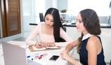 Tiểu Vy học ngoại ngữ chuẩn bị thi Miss World 2018