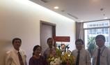 Chủ tịch UBND TP.HCM thăm các nhà giáo lão thành