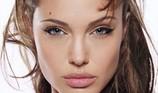 Angelina Jolie tố cáo từng bị ông trùm Hollywood gạ gẫm