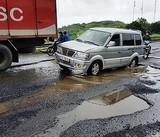Mưa lớn, quốc lộ 1 qua Phú Yên như ruộng cày