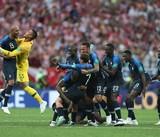 Sai lầm vô tình của Croatia và vận đỏ của tuyển Pháp