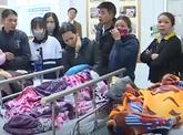 Sập lan can trường tiểu học, 16 trẻ nhập viện
