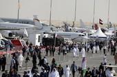 Ngắm màn trình diễn hoành tráng tại Triển lãm hàng không Dubai 2013