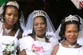 Một ngày làm đám cưới với 3 cô