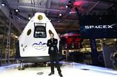 Elon Musk lộ diện phi thuyền chở du khách lên sao Hỏa