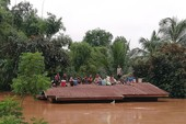 Người dân Lào lâm cảnh màn trời chiếu đất vì vỡ đập