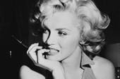 Tiết lộ về cảnh nude đầu tiên của huyền thoại Marilyn Monroe