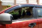 Bình Dương trộm liên tiếp đập kính xe hơi trộm tài sản