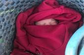 Bé trai mới sinh bị bỏ trước nhà dân ở Đồng Nai