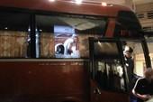 Indonesia báo lên AFF vụ xe buýt chở đội bị ném đá