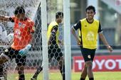 Dangda, Chanathip đối đầu với dàn sao Premier League