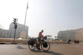 Đi xe đạp từ châu Phi đến Nga xem World Cup