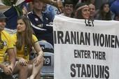 Hãy cho phụ nữ Iran vào sân