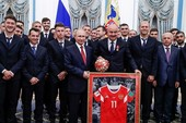 Tổng thống V. Putin tiếp tuyển Nga ở điện Kremlin