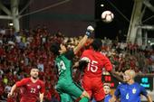 'Hậu duệ' Kiatisak ghi bàn cho tuyển Thái Lan