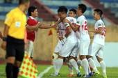 Thắng Hà Nội B trên chấm 11 m may rủi, Nam Định ở lại V-League