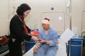 Tết ấm áp cho những bệnh nhân ung thư