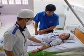 2 nhân viên y tế hiến máu cứu sản phụ nguy cấp