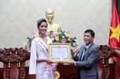 Tỉnh Đắk Lắk khen thưởng Hoa hậu H'Hen Niê