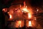 Bắt 23 giang hồ đi đốt nhà thuê