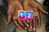 Ấn Độ bắt ba anh em hiếp dâm hai chị em thiếu nữ rồi treo lên cây xoài