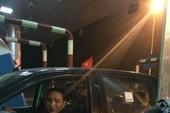 Lái xe bất ngờ vì được lì xì trên cao tốc dài nhất Việt Nam