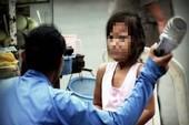 Bạo hành trẻ, cha mẹ có thể bị cách ly