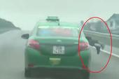 Hất công an lên nắp capô, tài xế taxi phóng bạt mạng