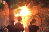 Cháy quán bia trước trận Pháp–Uruguay, khách bỏ chạy tán loạn
