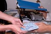 Bắt nguyên phó chánh án bị tố nhận hối lộ 300 triệu đồng