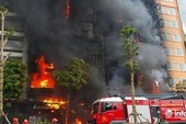 Chủ quán karaoke cháy khiến 13 người chết khóc tại tòa