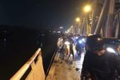 Tài xế lái xe Mercedes lao khỏi cầu Chương Dương là nữ