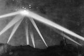 Tận thấy những bức ảnh UFO bí ẩn khiến Mỹ bó tay