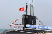 Lễ thượng cờ tàu ngầm Kilo Hà Nội