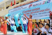Hân hoan đón trường mới trên đảo Sinh Tồn