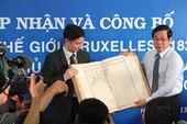 Tiếp nhận bộ tài liệu khẳng định chủ quyền biển, đảo Việt Nam
