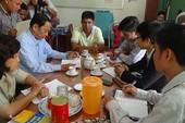 Sẽ giám định 'chai nước có ruồi' ở Tiền Giang