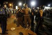 Biểu tình bạo động tiếp diễn ở Ferguson