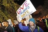 Biểu tình phản đối ông Trump vẫn tiếp diễn