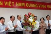 Chủ tịch MTTQ Việt Nam chúc mừng ngành y dịp 27-2