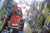 Clip: Dàn cảnh trộm thẻ cào điện thoại ở TP.HCM