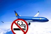Cấm bay 2 người lén hút thuốc