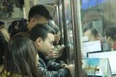 Mua vé tàu trực tuyến: Đẩy phiền cho dân