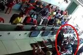 Clip một thiếu niên bị đâm tử vong tại tiệm net
